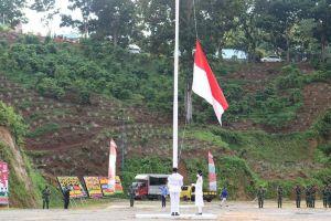 KETUA PENGADILAN AGAMA PANYABUNGAN MENGHADIRI UPACARA PERINGATAN HUT KE 75 REPUBLIK INDONESIA
